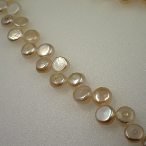 Freshwater White Topdrill Button Pearls 7-8mm