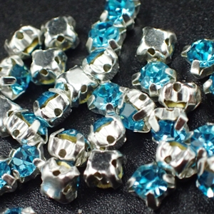 4mm-Chaton Montees - Aqua